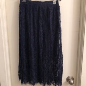 H&M  Navy pleated lace skirt size 2